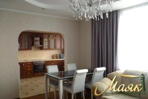 Сдается в аренду новая трехкомнатная квартира в Голосеевском районе