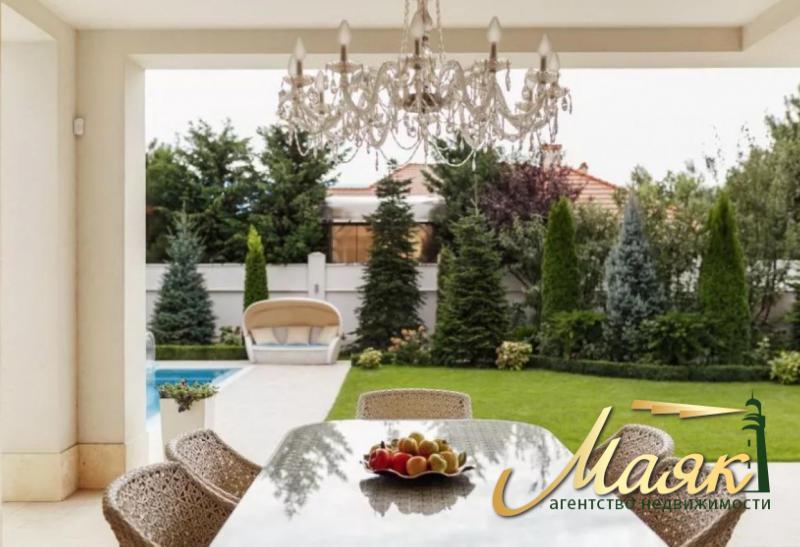 Продается шикарный дом в Совиньоне!